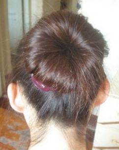 非常蓬松的花苞头发型 非常简单教程图解