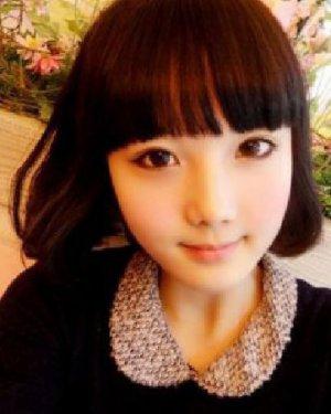 齐刘海的内扣短发发型 做个清爽女生