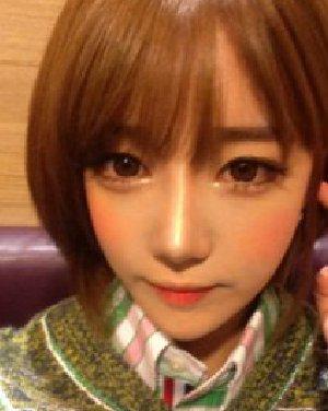 稀疏的齐刘海绝对是韩式刘海 轻松打造潮女范