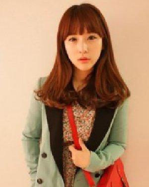 春夏流行的女生染色的梨花头发型 风格时尚百变图片