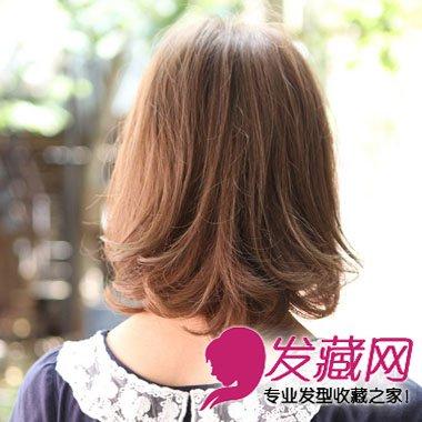 空气感刘海发型设计      中卷发的奇妙之处就是简单易打理而且机具修
