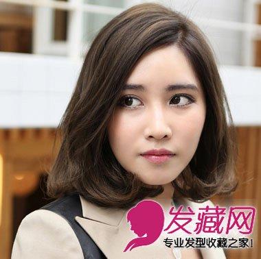 发型网 发型设计 卷发发型 > 修饰大脸中卷发发型设计(5)  导读:潮女