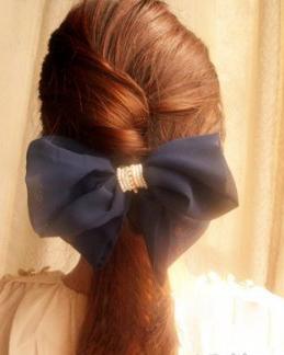 头顶蓬松显瘦的气质马尾辫发型 小清新范气质马尾扎发