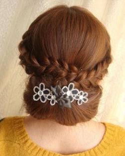中年妇女盘发发型日期图片