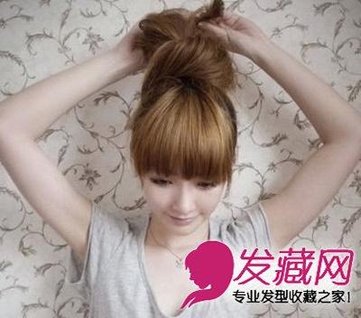 一分钟学发型 diy可爱韩式猫耳朵扎发 →韩式花苞头扎法图解 编发图片