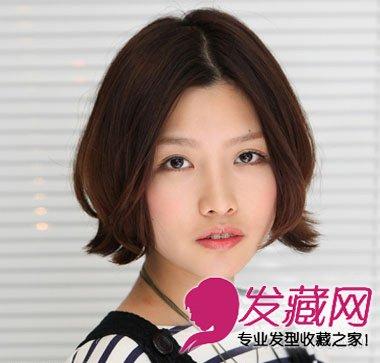 空气感修颜女生发型 帮你消灭大饼脸; 短发烫发小卷发型中分图片图片