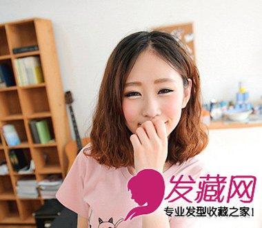 乖巧甜美的中长发烫发 中分齐肩烫发发型(2)