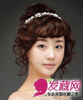 发型网 女生发型 新娘发型 > 漂亮的盘发发型搭配精致妆容 韩式盘发