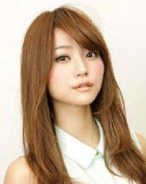 女生短发惹人爱 齐耳短发发型显得利落有型日期: 13-06-14 点击图片