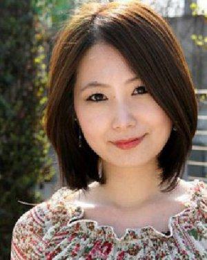 小v脸短卷发发型 头发少的女生适合什么发型 3 发型