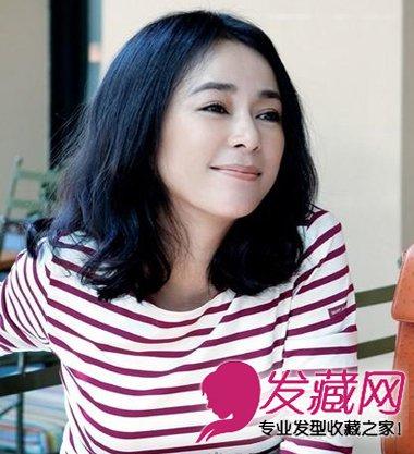 甜美显嫩秘诀(8)  导读:中分短卷发 少女喜欢齐刘海的可爱,成熟职场