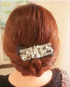 夏季长发怎么扎好看 气质蜈蚣辫编发发型日期: 13-07-25 点击: 4124