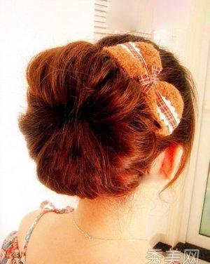 发型网 发型精选专题 > 韩式甜美卷发发型   最新甜美短发流行发型图片