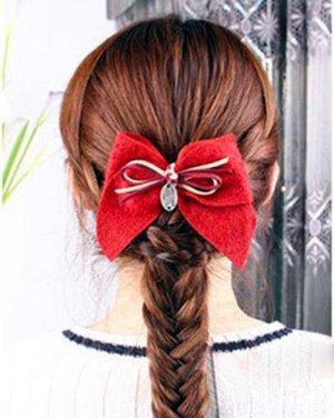 编法图解 diy时尚甜美发型日期: 13-07-25 点击: 685 蜈蚣辫又称蝎子