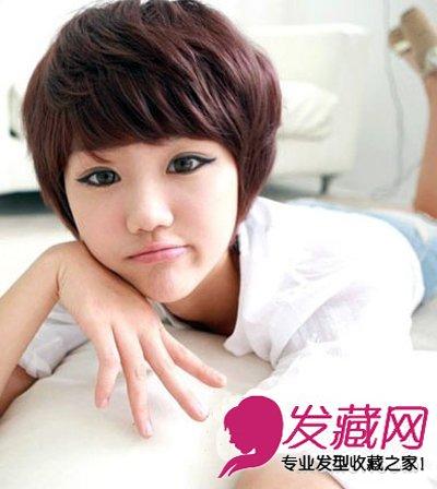 一个卖萌的表情会更添甜美可爱感哦!这么时尚的一款纹理烫女生