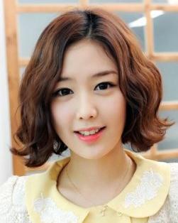 2015最新短发烫发发型 甜美韩式短卷发