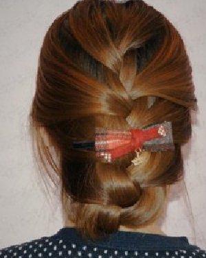 夏季长发怎么扎好看 气质蜈蚣辫编发发型