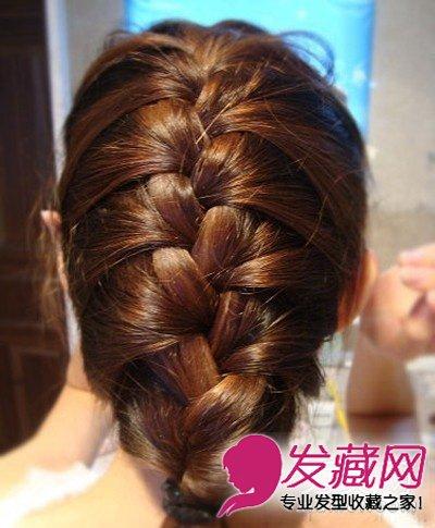 用发带扎住发尾,剩下的头发可以塞进去哦,这样看得更整洁,超详细韩式