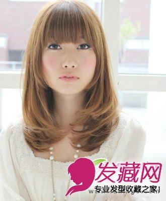 中长发卷发发型与斜刘海编发发型搭配 修颜更可爱(4)
