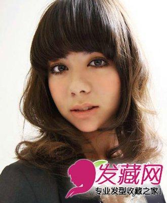 中长发卷发发型与斜刘海编发发型搭配 修颜更可爱(5)