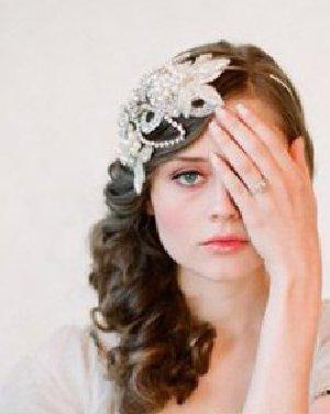 唯美又好看的新娘发型 准新娘的脸型是圆脸