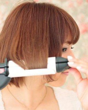 清新头顶蓬松发型步骤图一: 把头发梳好[查看发型.