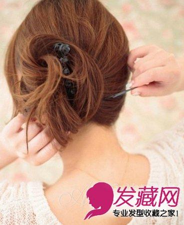 发型网 流行发型 花苞头发型 > 活力清新高扎花苞头 日系花苞头图解(8