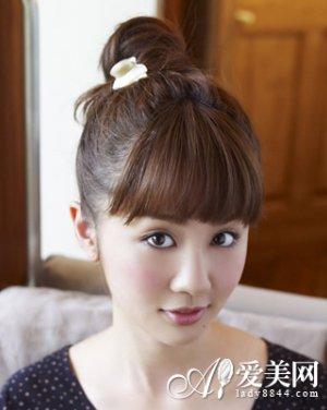 唐嫣/齐刘海直发发型扎法变身甜蜜公