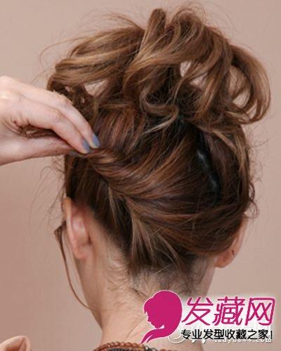 > 齐肩短发怎么扎 刘海发型扭出的造型也很悦目(6)  导读:步骤五:接