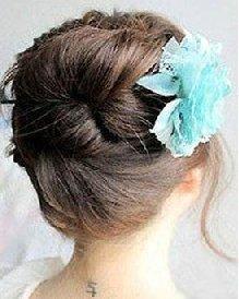 清新可人的花苞头造型深受女孩们喜爱