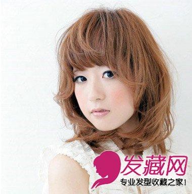 内扣齐刘海搭配多层次碎发 女生气质中短发发型 2