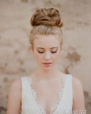 打造完美气质新娘盘发 发型
