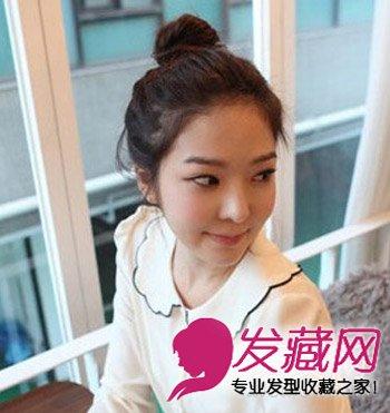 丸子头发型超可爱(6)  导读:韩式清爽丸子头发型,清新甜美的女生发型