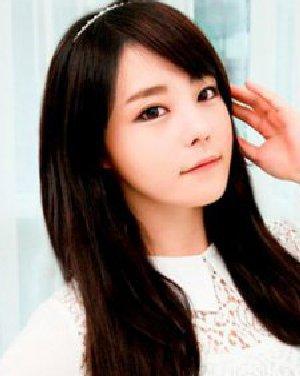 韩式辫子发型diy 简单步骤编出最炫发型日期: 13-10-23 点击: 744