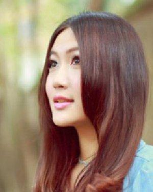 浪漫唯美的直发发型图片日期: 13-08-26 点击: 3822 中国古代珠圆玉润