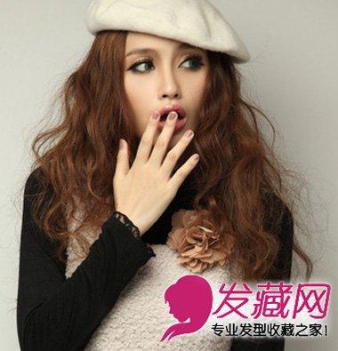 甜美女生发型设计 小卷的烫发效果很是时尚 5 卷发发型图片 发藏网