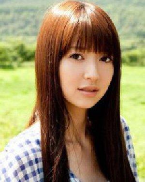 齐刘海柔顺长直发发型 气质流行淑女最爱