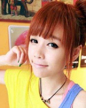 甜美浪漫的韩式花苞头发型 初秋减龄最可爱