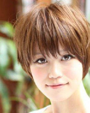 最新日系女生短发 御姐风范的波波头发型