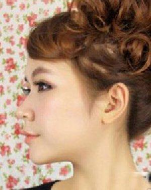 短发或直发的女生又该如何选择发型呢?图片