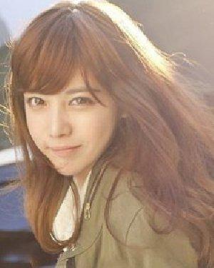 超蓬松的韩式长卷发发型 修颜刘海变小脸MM