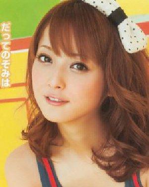 日系甜美中长发烫发发型