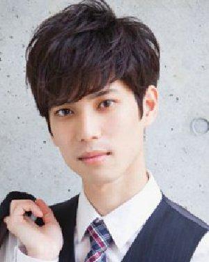 发型 刘海/男生非常阳光清爽发型 斜刘海up你的异性缘
