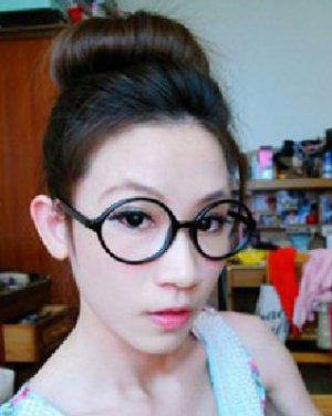 超好看韩式丸子头盘发教程,塑清新可爱小女生.[查看发型.