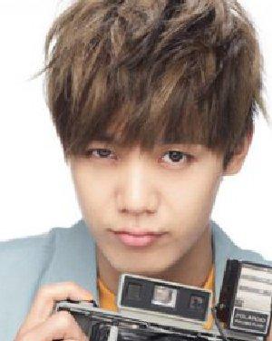 韩式型男短烫发发型图片 自然有型的韩式男士烫发