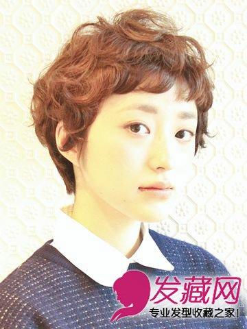 冬季女生发型攻略 短卷发时尚好打理(8)
