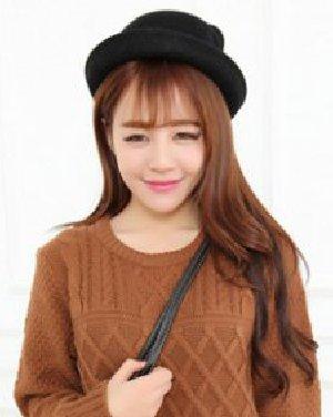 大脸女生适合的卷发图片 轻薄的齐刘海展现出女生甜美的妆容