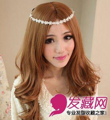 发型网 发型设计 卷发发型 > 圆脸适合卷发发型 厚重的齐刘海长卷发(2