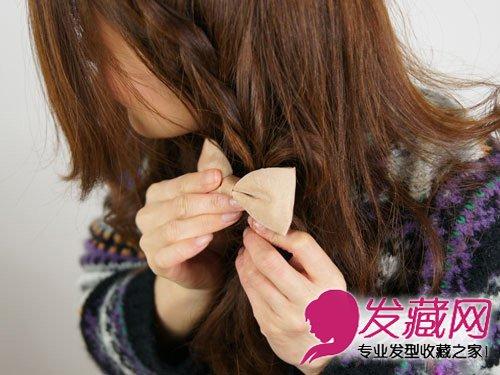 编发发型的甜美度 →韩式编发公主头发型 清甜扎发萌妹必学   在发尾