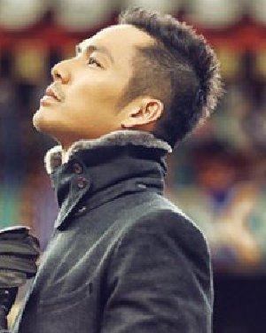 钟汉良最新发型 完美侧脸让人迷恋